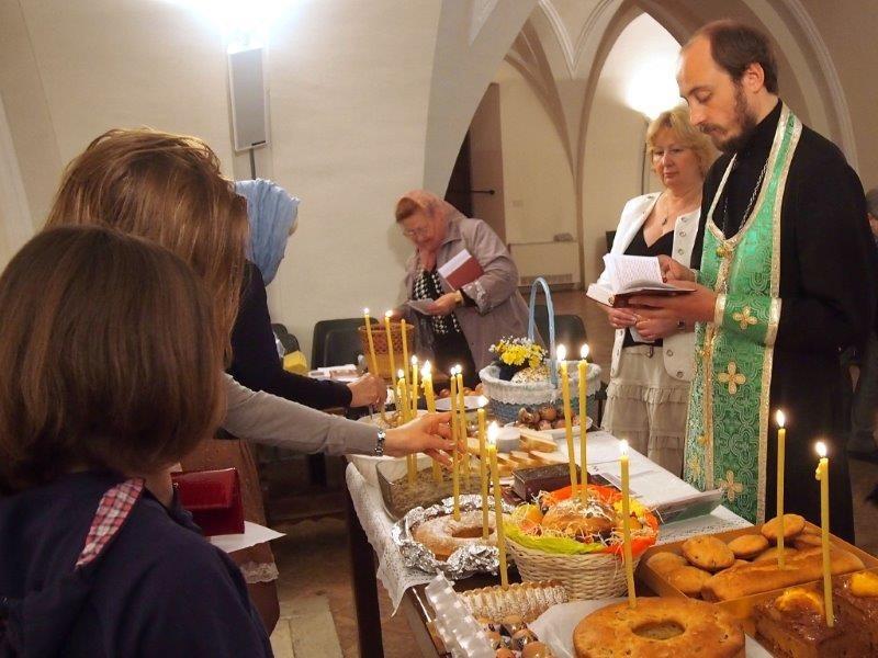 (Foto) Italia: Învierea Domnului serbată la bisericile din regiunea Marche, 2013