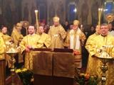 (Română) În ajunul hramului Bisericii Sfinților Trei Ierarhi din Paris a fost săvîrșită slujba de Priveghere