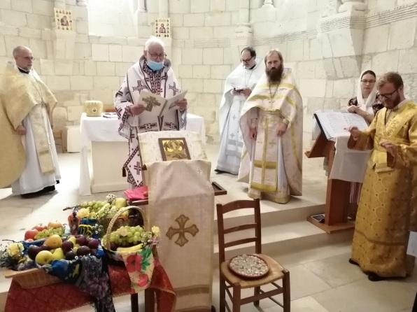 (Română) Sărbătoarea Schimbării la Față a Domnului a fost sărbătorită la Biserica Sfintei Radegonde din Talmont-sur-Gironde