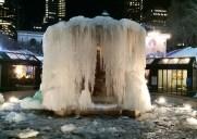 ブライアントパークの凍りついた噴水