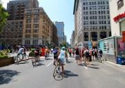 真夏の歩行者マンハッタンを歩こう!真夏の歩行者天国イベント「Summer Streets」