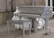 街角に設置される88台のピアノ「Sing for Hope」