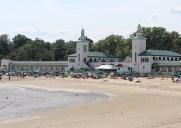 遊園地も楽しめるライの海水浴場「プレイランド・ビーチ」