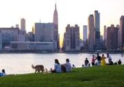 水辺の遊歩道が人気の公園「ハンターズ・ポイント・サウス」