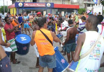 O ensaio do Bloco Virgens de Itaúna. Foto: Paulo Lulo.
