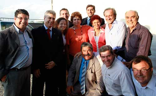 A ministra Dilma Rousseff com prefeitos do Estado do Rio, entre eles Franciane Motta e André Mônica. Foto: Ricardo Stuckert/ASCOM Araruama.