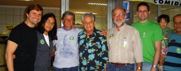 Bruno Pinheiro, Sonia Vilarino, Leomil Pinheiro, Fernando Gabeira e Luiz Paulo, em Bacaxá. Foto: Dulce Tupy.