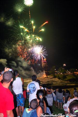 Na foto de Andréa Sant´Ana, a beleza da festa de Ano Novo em Saquarema.