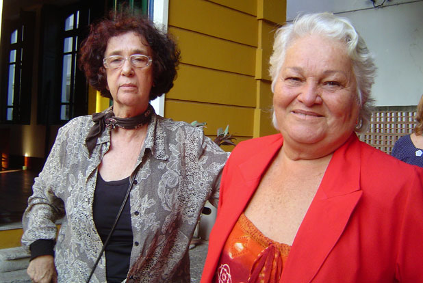 A diretora Eunice Guttman com Maria Prestes durante uma filmagem no CEDIM. Foto: Dulce Tupy.