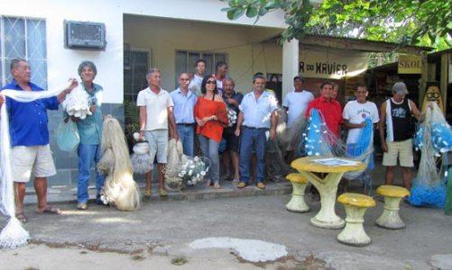Programa Rio Rural distribui redes em Jaconé