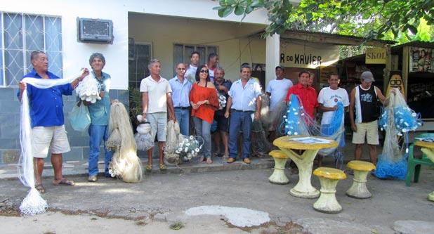 Os pescadores da Microbacia do Rio Roncador foram beneficiados com a entrega de redes, no Programa Rio Rural, coordenado pela Emater. (Foto: Dulce Tupy)
