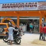 A fachada da nova loja Marmoraria Alternativa na Rua 13, em Jaconé. (Fotos: Edimilson Soares)