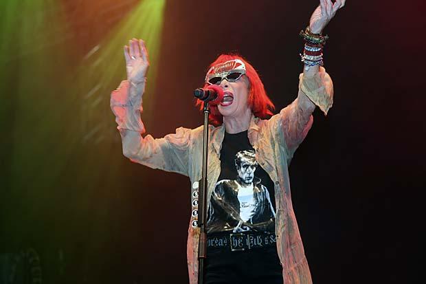 Todo glamour irreverente da diva do rock Rita Lee com uma camiseta homenageando o ídolo da juventude transviada James Dean. (Foto: SECOM/PMS/Waldo Siqueira)