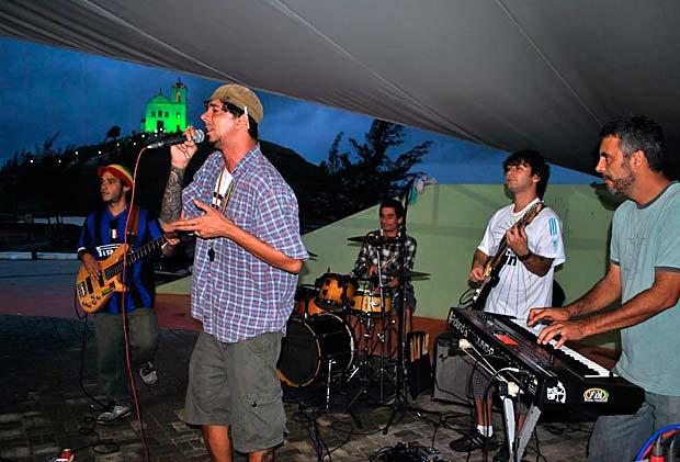 Banda Via-Jah na Lona Cultural de Saquarema. (Foto: Agnelo Quintela)