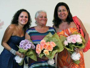 A prefeita Franciane Motta, a convidada de Honra Maria Prestes e a secretária municipal da Mulher Rosângela Borges.