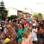 A orla de Itaúna lotada com o bloco Virgens de Itaúna. (Fotos: Waldo Siqueira)
