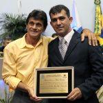 Vereador Orelha e o representante  de José Alves Filho, o padre Zito