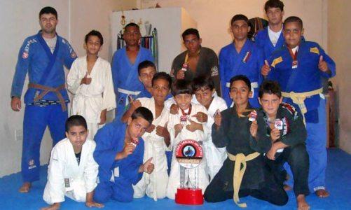 Valdemar Bombas comemora 1 ano de Jiu-Jitsu em Jaconé