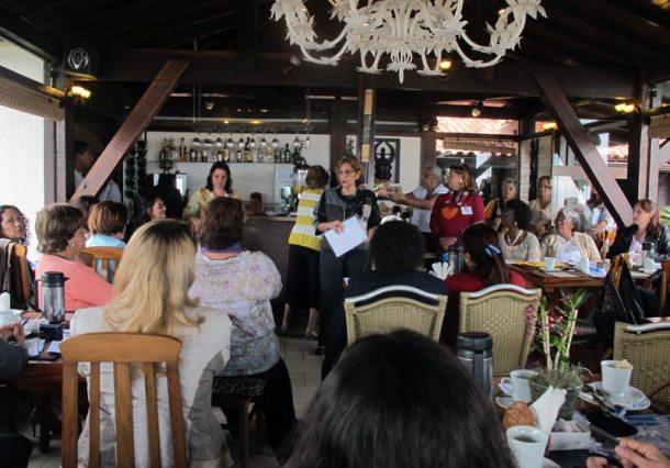 O Café da Manhã em Itaúna reuniu lideranças empresariais, artesãs e mulheres empreendedoras de Saquarema e Magé. (Foto: Dulce Tupy)