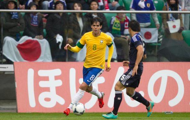 Kaká em um dos momentos de boa atuação contra o Japão. (Foto: Rafael Ribeiro/CBF)
