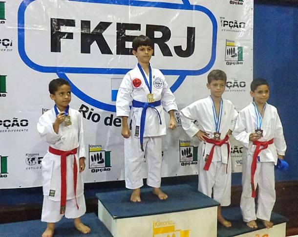 O jovem karateca Luiz Fernando Palermo da ASK é o campeão estadual 2012. (Foto: Divulgação Ask)