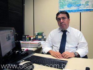 O delegado Dr. Luciano Coelho está comandando as investigações  acerca do atentado. (Foto: Dulce Tupy)