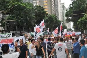 A passeata foi um clamor popular, expresso nas faixas e camisas. (Foto: Agnelo Quintela)