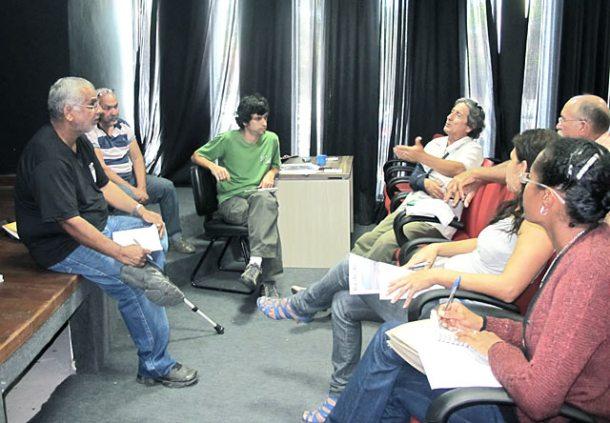 Em Silva Jardim, a reunião de integração das Agendas 21 com o Comitê de Bacia Lagos São João foi coordenada por Jaime Bastos, do Instituto Ipanema.