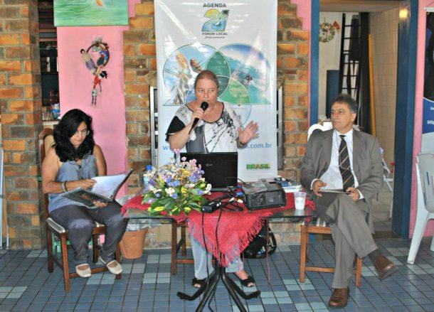 Diretora do Cacs, Telma Cavalcanti, Dulce Tupy e o vereador eleito Chico Peres. (Fotos: Agnelo Quintela)