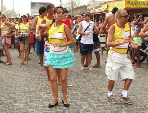 No pré-carnaval, o Bloco do Truco fez um animado arrastão na beira da praia da Vila