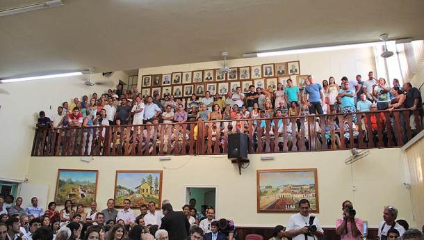 O plenário Carlos Campos da Silveira totalmente lotado inclusive as galerias