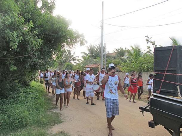 O Bloco da Raposa circulou por Barra Nova, passando pelo Centro do Vôlei e final da Av. Nossa Senhora de Nazareth (foto: Dulce Tupy)