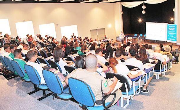 No teatro da Faetec, houve mobilização social, uma das etapas  do processo de implementação do PMSB (Edimilson Soares)