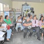 Representantes das entidades, entre eles o vereador Chico Peres, na eleição que formou o Conselho de Meio Ambiente. Na foto abaixo, o biólogo Luiz Carlos, o advogado Claudius Barcellos e o secretário Gilmar Magalhães (fotos Agnelo Quintela)