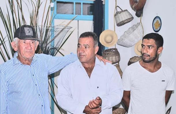 Três gerações de pescadores: Anolpho, vereador Matheus e Pedro (Agnelo Quintela)