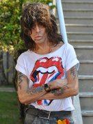 Serguei esbanja rock and roll