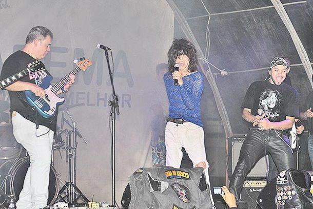 Serguei subiu ao palco com a banda Sanctuariun e levou o público ao delírio com sua energia contagiante (Foto: fotos: Agnelo Quintela)