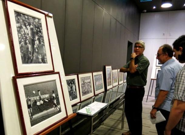 Muito apreciada, a exposição sobre as Copas do Mundo, coordenada pelo fotógrafo Alcyr Cavalcanti (Foto ALCYR CAVALCANTI)