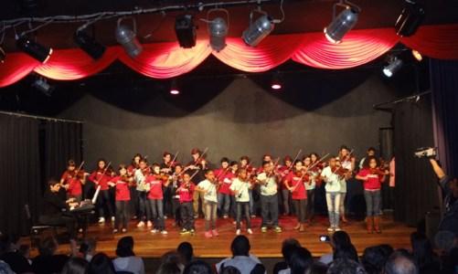 Os violinos do Renascer na Música em concerto