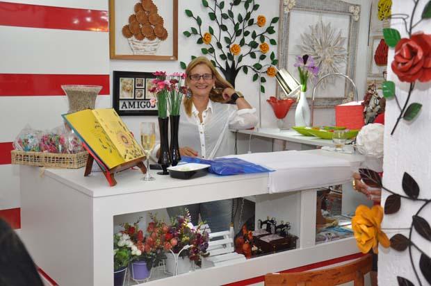 Sandra, na inauguração da loja Laço Vermelho (Foto: Edimilson SOares)