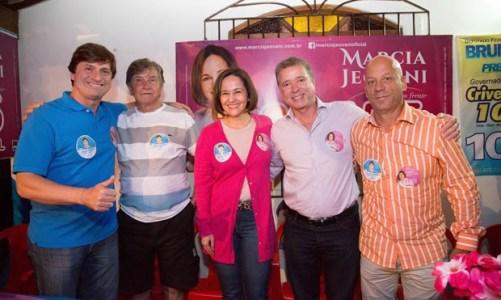 Bruno Pinheiro recebe Marcia Jeovani