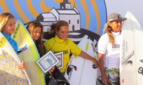 Campeonatos de surfe agitaram as praias