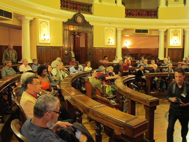 No prédio histórico da Câmara de Niterói, a plenária ficou lotada com a presença de jornalistas e seus convidados (Fotos: Edimilson Soares)