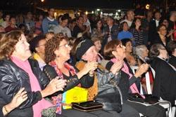 O público aplaudiu muito o espetáculo dos corais de vários municípios