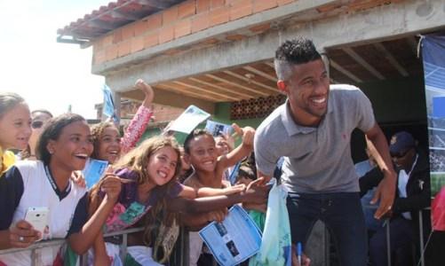 Léo Moura é mais que futebol