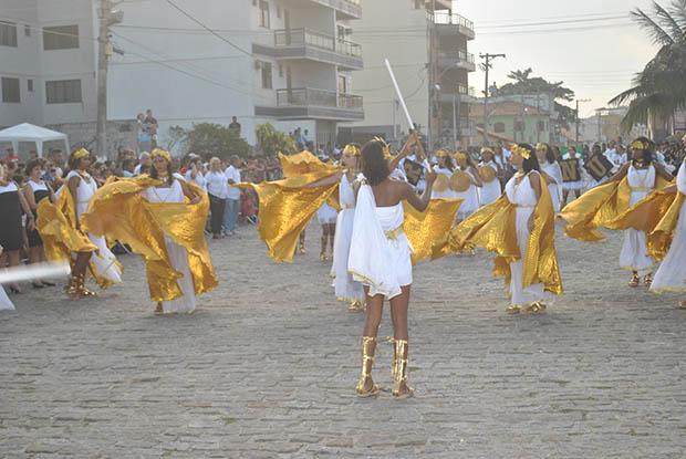 Os participantes do desfile se apresentaram com belíssima caracterização inspirada no tema das Olimpíadas do Rio 2016 (Fotos: Agnelo Quintela)
