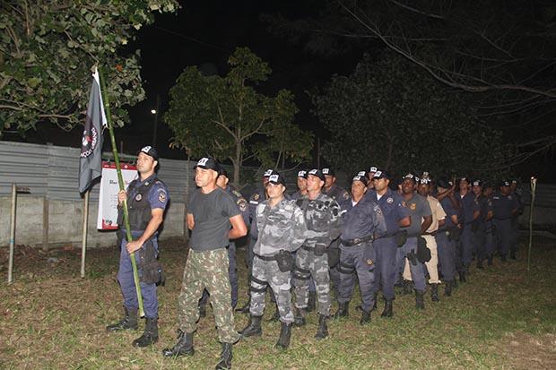 O primeiro grupo de guardas selecionados para o curso de Táticas Urbanas, ministrado na sede da AMA-Barra Nova