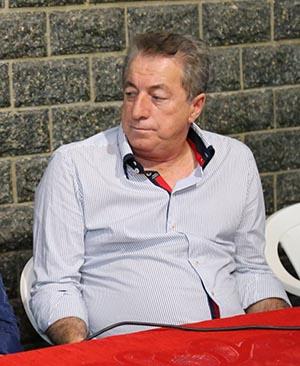 Depois da impugnação, Peres indicou sua mulher Manoela (Foto: Divulgação Facebook)