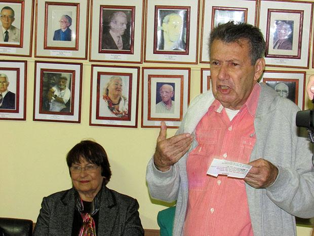 A poeta e cronista Beatriz Dutra e o jornalista e poeta Gentil Lima