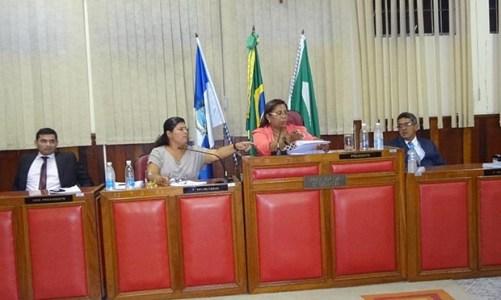 Elisia Rangel, a primeira secretária da Câmara Municipal